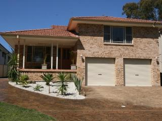 ENJOY THIS BEAUTIFUL HOUSE FOR THE PERFECT ESCAPE - Vincentia vacation rentals