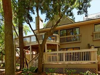 2BR/2BA Villa is the Perfect Place to Relax and Unwind During Your Vacation - Forest Beach vacation rentals