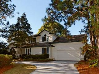 Charming 4BR/2.5BA Ranch Home on 7th green of Golf Course has Private Pool - Palmetto Dunes vacation rentals