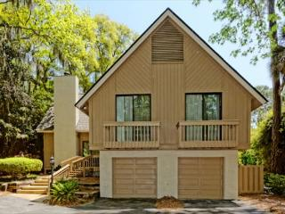 Lovely 4BR/4.5BA Sea Pines Home Continually Updated - Sea Pines vacation rentals