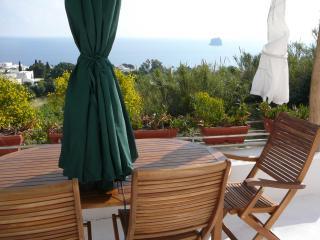casa RUFUGIO a Stromboli - Stromboli vacation rentals
