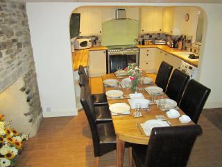 Courtyard Cottage - ideal for large groups - Mevagissey vacation rentals