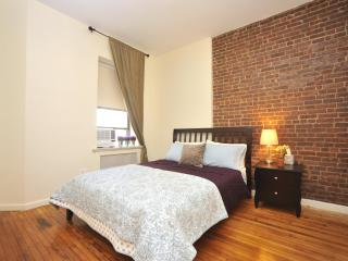 Galaxy UWS Town House 2 Bedroom - New York City vacation rentals