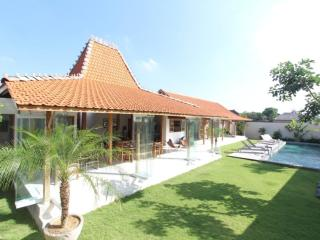Villa Oulala, Calm and Luxurious - Canggu vacation rentals