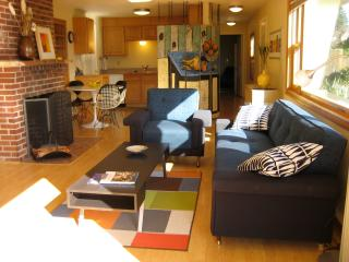 Alberta Arts Mid Century Mod with Great View - Portland vacation rentals