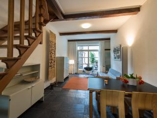The Maastricht Treat(-y) Townhouse - Limburg vacation rentals