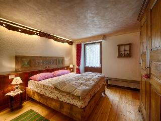 Le Bibelot Aosta Valley Apartment Cervinia/Matterh - Nus vacation rentals
