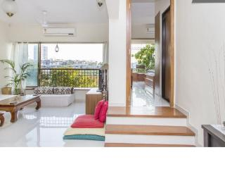 Spacious & Airy 2 Bed apartment with private balcony - Mumbai (Bombay) vacation rentals