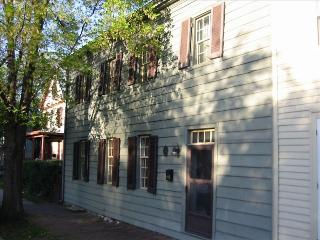 Beautiful home in the heart of Old Town Winchester - Berryville vacation rentals