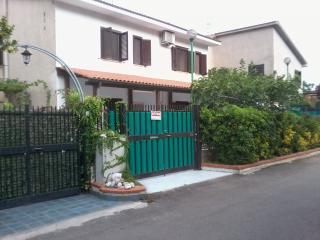 Villetta a schiera indipendente MARE - Cittadella del Capo vacation rentals