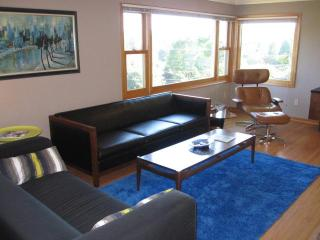 Mid-Century Mod Penthouse with a View - Portland vacation rentals