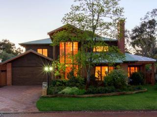 Rustic Parkland Living in the heart of Claremont - Swansea vacation rentals