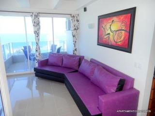 Elegant Apartment In Laguito For Days And Weeks - Cartagena District vacation rentals