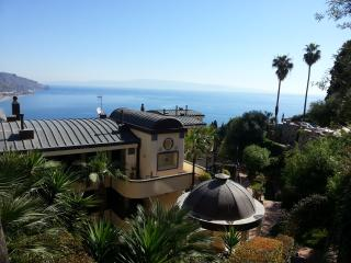 *****PANORAMIC, garage, swimming pool, garden,WiFi - Sicily vacation rentals