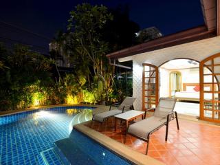 Grand condo Lotus pool villa - Pattaya vacation rentals