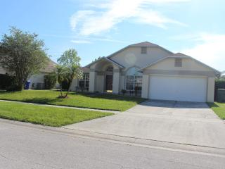 3 Bedroom Moss Bluff Villa with pool - Kissimmee vacation rentals
