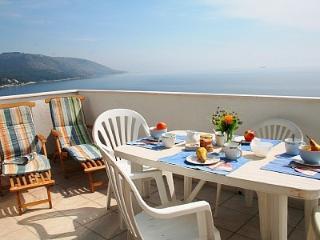 Apartment Sunburst - Okrug Gornji vacation rentals