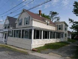 8 Brisson Street - Charming Beach Cottage w/ Ocean Views from the Fabulous Enclosed Porch! - Old Orchard Beach vacation rentals