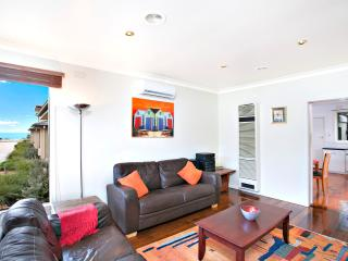 Views of the Bay house - Child & Pet friendly - Sandringham vacation rentals