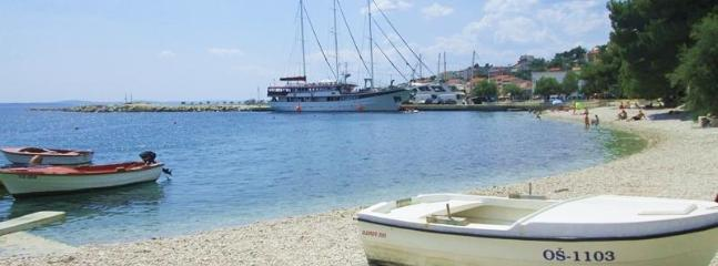 Tempera 1 beach apartment with lovely terrace - Image 1 - Split - rentals