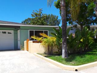 Cozy, private, 2 bedroom, 1 bath house, sleeps 4 - Encinitas vacation rentals