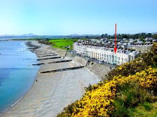 SEASIDE family-friendly, next to beach and castle in Criccieth Ref 912814 - Tanygrisiau vacation rentals