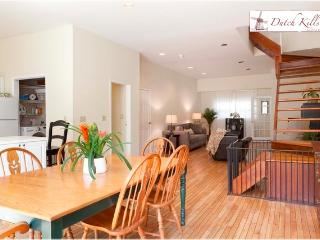Huge modern house, 5 min to midtown - Long Island City vacation rentals