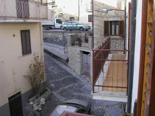 Abruzzo Castel di ieri - Sulmona vacation rentals