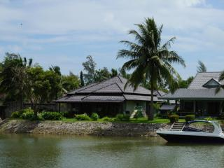 3 bedroom Villa by the sea in Laem Mae Phim - Klaeng vacation rentals