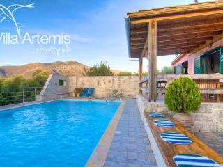 Villa Artemis, great pool! - Rethymnon Prefecture vacation rentals