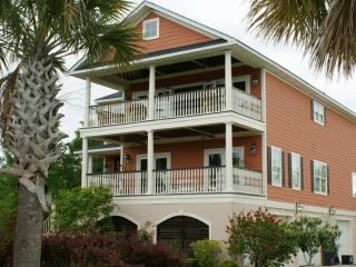 Beautiful Charleston Style Retreat Just 15 Minutes to Downtown and Beaches - Charleston vacation rentals