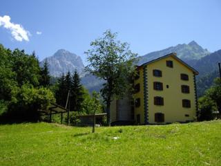 Heidi's Guesthouse - Les Plans-sur-Bex vacation rentals