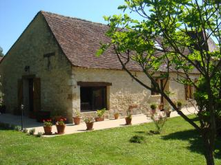 16TH CENTURY PERIGOURDINE GITE WITH POOL, DORDOGNE - Eymet vacation rentals
