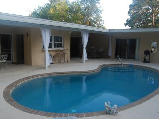Comfortable Open 2/2 Pool Home & Pet Friendly yard - Sarasota vacation rentals