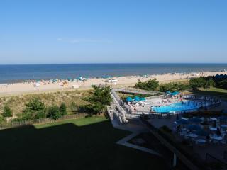 Ocean  condo at Sea Colony Beach and Tennis resort - Bethany Beach vacation rentals