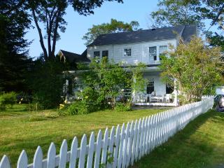 Charming Cottage on Kennebunk River - York Harbor vacation rentals
