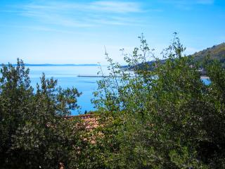 Beautiful view 2+2 - Omis vacation rentals
