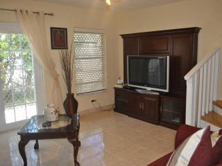 Triple M's Seaview Cottage- PERFECT LOCATION!!! - Nassau vacation rentals