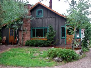 Classic Colorado Cabin on the Big Thompson River - Estes Park vacation rentals