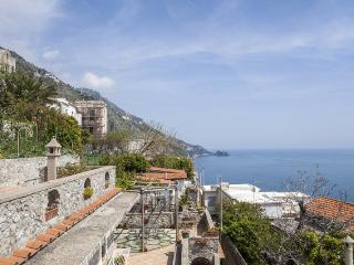 villa sea view at 200 mt  from the beach - parking - Praiano vacation rentals