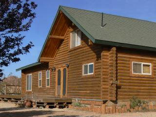 Log Home In Southern Utah Near Zion And St George. - Zion National Park vacation rentals