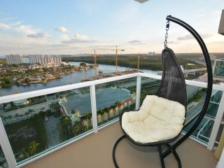 Miami Florida  2BD/2B Luxury Water view Amazing !! - Hollywood vacation rentals