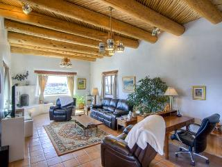 HOUSE OF THE LAUGHING BEAR - Taos Area vacation rentals