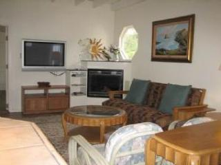 Pet-friendly home w/private hot tub; deck & firepit - Fort Bragg vacation rentals