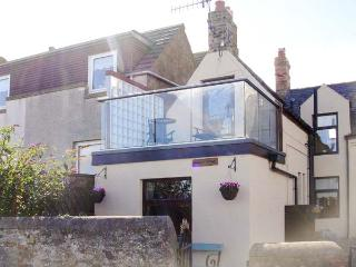 SEAVIEW COTTAGE, romantic, character holiday cottage, with a garden in St. Abbs, Ref 2036 - Saint Abbs vacation rentals