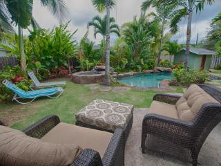 Lanikai Love: Island Style Unit with Pool/Jacuzzi - Kailua vacation rentals