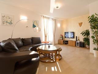 DESIGN APARTMENT BELLEVUE - Porec vacation rentals