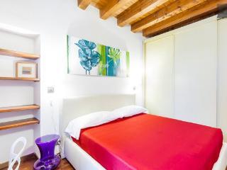 Apartment in old town (Verona) - Verona vacation rentals