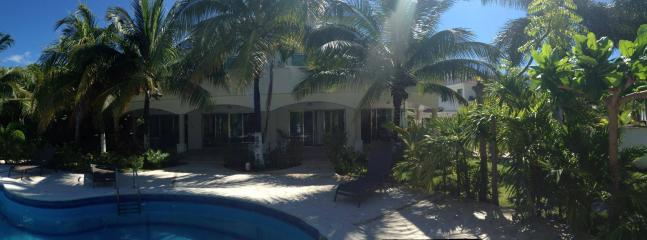 Panorama of the pool - VILLA QUETZAL - Playa Paraiso - rentals