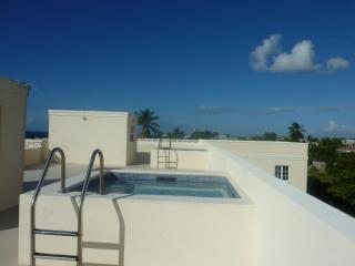 Ocean view apartment with rooftop pools - Enterprise vacation rentals